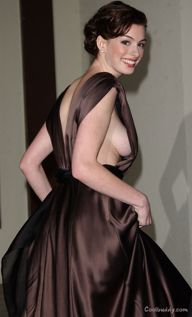 http://www.coolbuddy.com/Gallery_Pics/imgs/anne_hathaway06.jpg